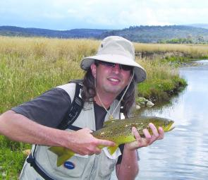 Roy Hauptberger caught and released this lovely kilo brown on fly in the Eucumbene River. There'll be plenty of pre-spawn browns prowling the mouth.